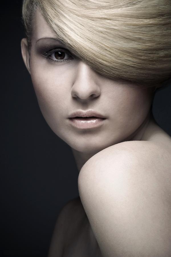 Краса коса, или как цвет твоих волос может изменить всю твою жизнь