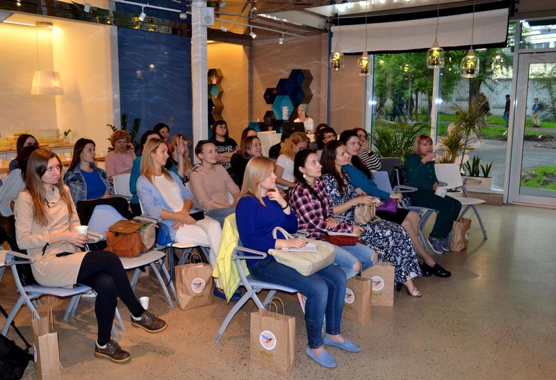 Летняя лекция в Москве в кафе Вкус и Цвет